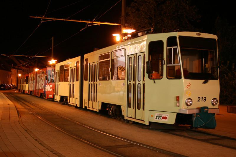 Nächtliche Tatraparade am Europaplatz