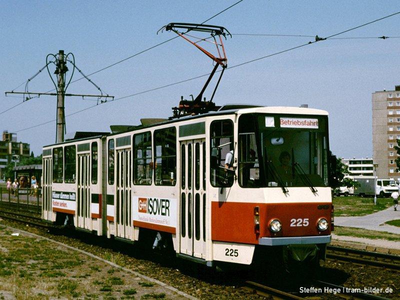 KT4D 225 auf der Birkenallee