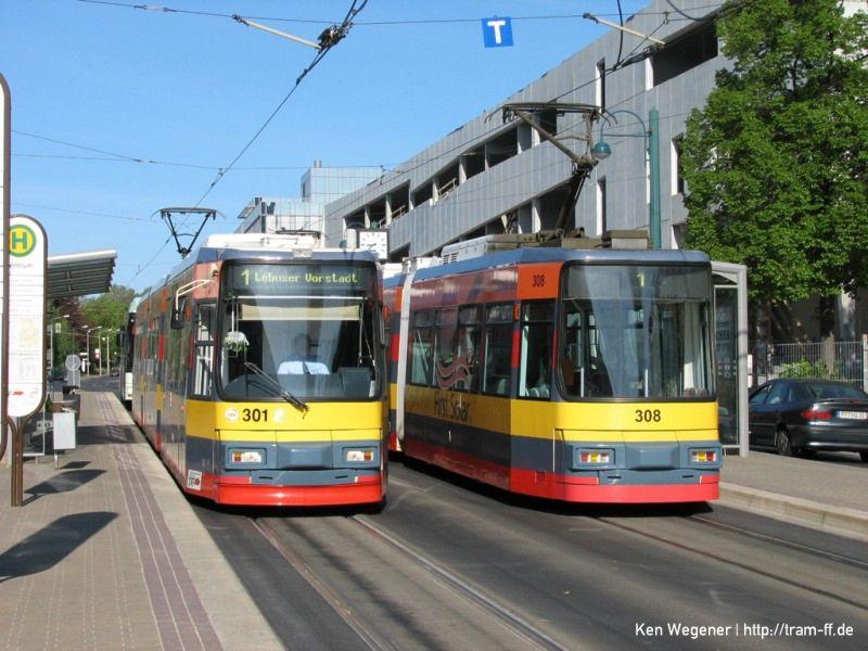 Solarfabrik-Totalreklame auf Wagen 301 und 308